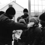 Abgewiesene Familie an der griechisch-mazedonische Grenze bei Idomeni